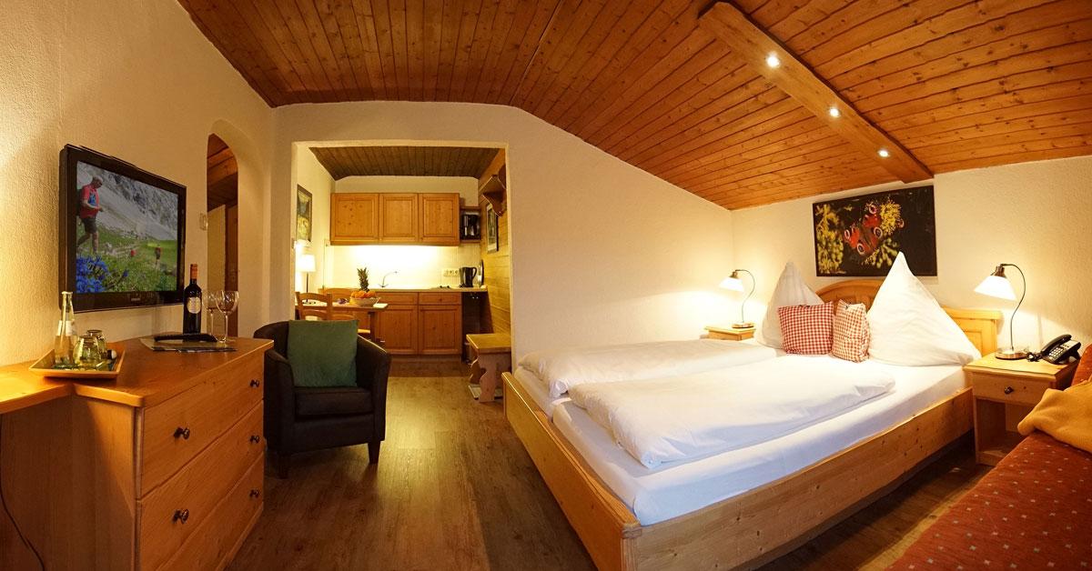 Doppelbettzimmer mit Küche